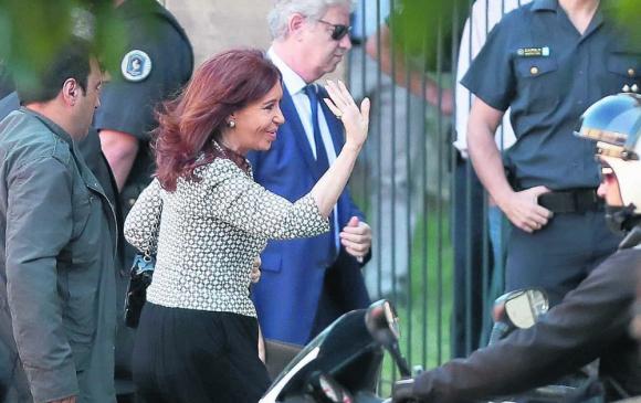 Cristina denuncia una persecución política para bloquear su candidatura. Foto: EFE
