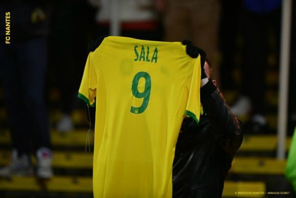 La camiseta 9 de Emiliano Sala. Foto   FCNantes 485a02330e43b