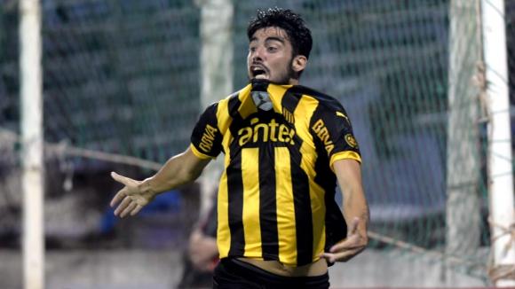 Emoción. La de Gastón Rodríguez tras convertir el gol de la victoria ayer en el Franzini.