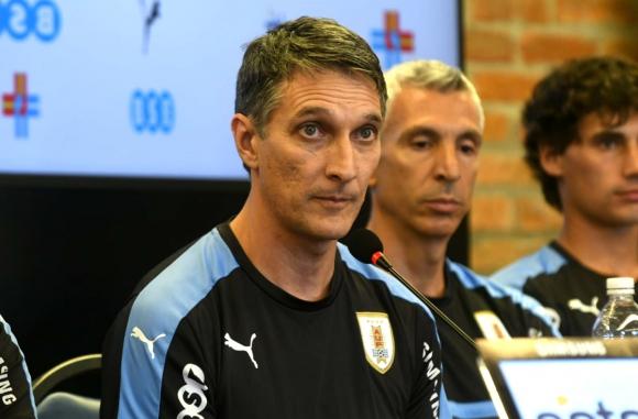Gustavo Ferreyra en su presentación como entrenador principal de la selección Sub 20