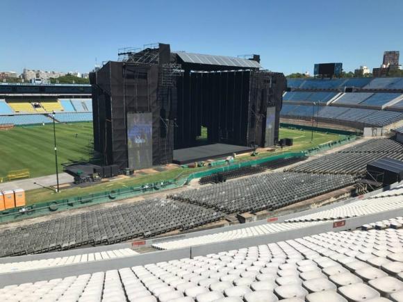 El escenario de Ed Sheeran para el show del Centenario. Foto: Darwin Borrelli