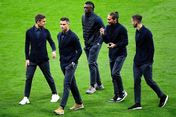 Cristiano Ronaldo, Paulo Dybala, Martín Cáceres y Rodrigo Bentancur en la Juventus