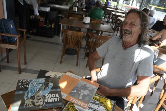 Raúl Castro habla sobre cinco discos importantes. Foto: Leonardo Mainé.
