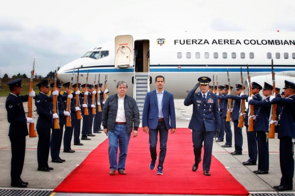 Juan Guaidó en su llegada a Bogotá. Foto: Cancillería Colombia (@CancilleriaCol).