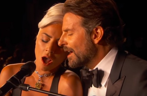 Bradley Cooper y Lady Gaga. Foto: Capura