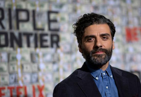 Oscar Isaac no se perdió la premiere de su nueva pelicula para Netflix
