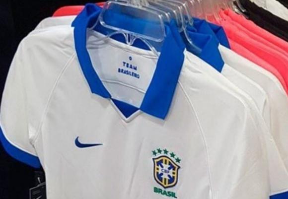 Brasil revive a la camiseta blanca que dejó de utilizar desde 1950