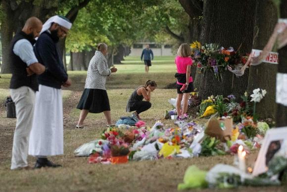 Nueva Zelanda sigue conmovida por la masacre del viernes. Foto: AFP
