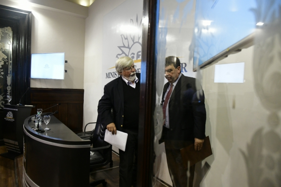 El ministro del Interior y el director de la Policía dieron a conocer ayer el récord en materia criminal de la historia. Foto: Fernando Ponzetto.