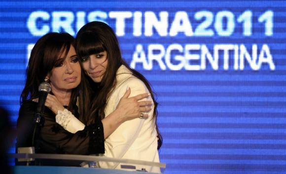 Cristina Fernández y Florencia Kirchner en 2011. Foto: archivo El País.