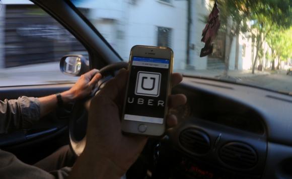 Desde Uber aseguran que aumentó el tiempo de espera. Foto: Fernando Ponzetto