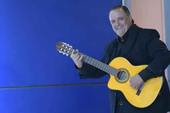 Carlos Paravis celebrará el legado de su padre. Foto: Leonardo Mainé.