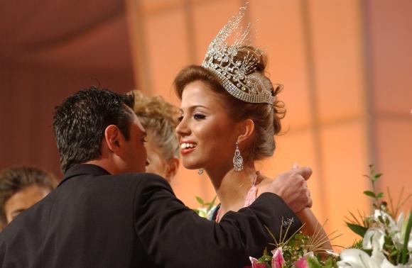 Fatimih Dávila en la elección miss universo Uruguay 2006. Foto: Ricardo Figueredo