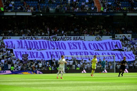 Gran mensaje de apoyo a Iker Casillas de los hinchas del Madrid
