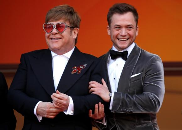 """Elton John y Taron Egerton en el estreno de """"Rocketman"""" en el Festival de Cannes. Foto: EFE."""