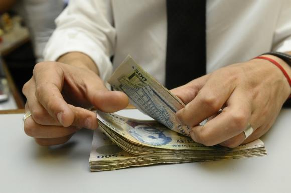 Ahorrar implica frenar el consumo espontáneo para asignar ese dinero a un objetivo de mediano o largo plazo. Foto: Gerardo Pérez