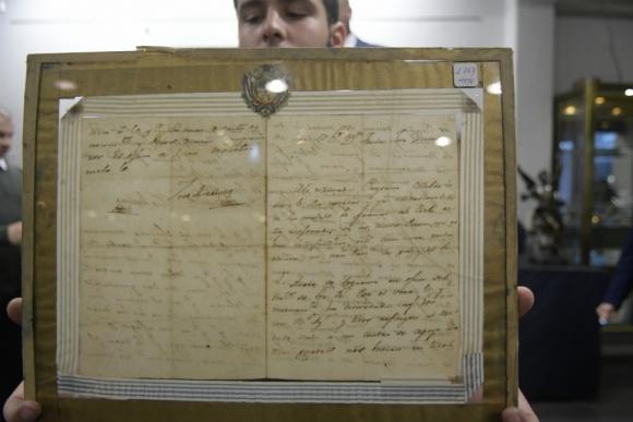 Ambos documentos solo sedujeron a coleccionistas particulares. En ambos casos, los compradores fueron uruguayos. Foto: Marcelo Bonjour