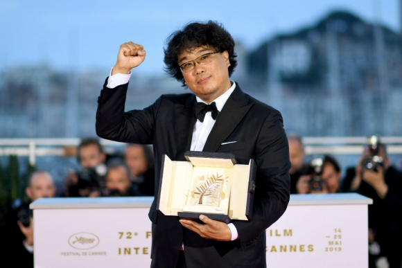 """El surcoreano Bonh Joon-Ho se llevó la Palma de Oro en Cannes por su película """"Parasite"""""""