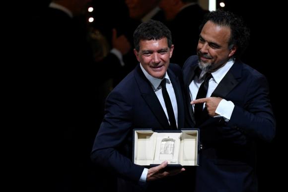"""El español Antonio Banderas fue el mejor actor de Cannes por """"Dolor y Gloria"""" de Pedro Almodovar"""