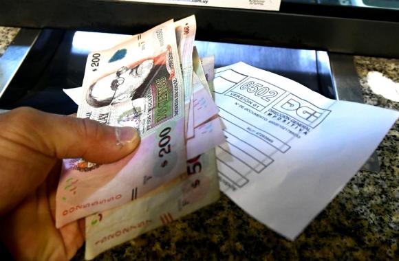 Ya está habilitada la consulta para saber si tiene saldo para cobrar por el IRPF. Foto: Fernando Ponzetto
