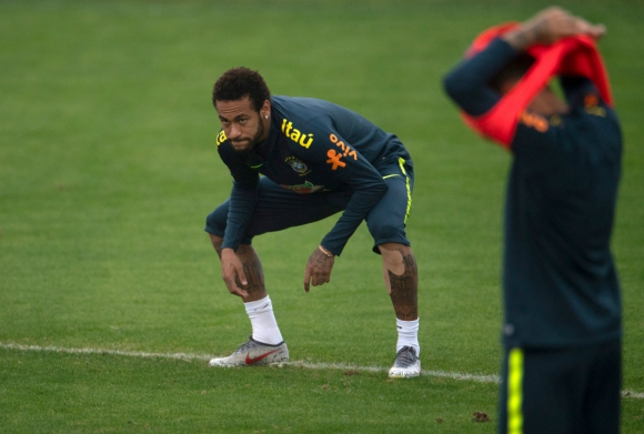 Neymar en un entrenamiento con Brasil. Foto: AFP.