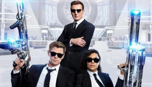 Chris Hemswoarth, Tessa Thompson y Liam Neeson son los Hombres de negro Internacional. Foto: Difusión