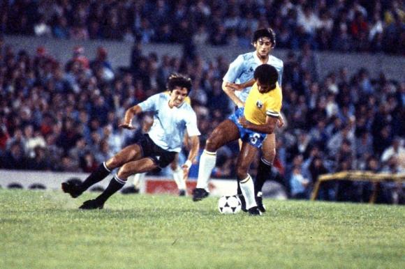 Uruguay ante Brasil en la Copa América 1983