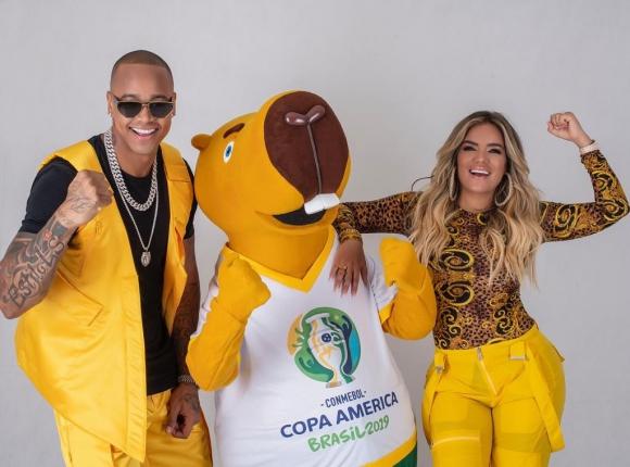 """Leo Santana y Karol G hicieron """"Vibra Continente"""", la canción oficial de la Copa América. Foto: Universal Music"""