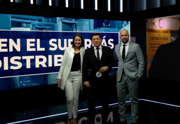 Malena Castaldi, Aldo Silva y Mariano López al frente del nuevo Telemundo. Foto: Twitter Telemundo