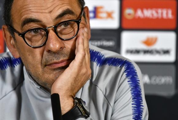 Maurizio Sarri cuando dirigía al Chelsea. Foto: AFP.