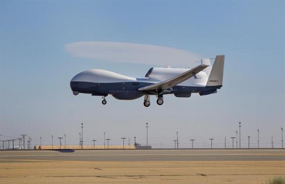 Dron MQ-4C de las Fuerzas Aéreas estadounidenses en California en 2013. Foto: EFE.