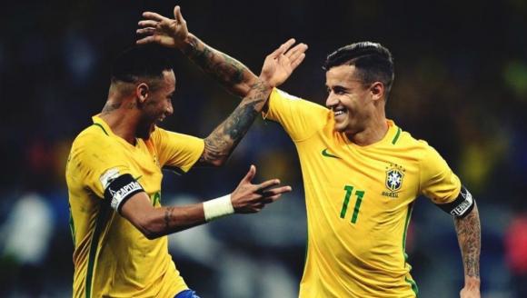 Neymar y Coutinho en la Selección de Brasil
