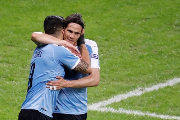 Edinson Cavani y Luis Suárez en el Uruguay vs. Chile de la Copa América 2019