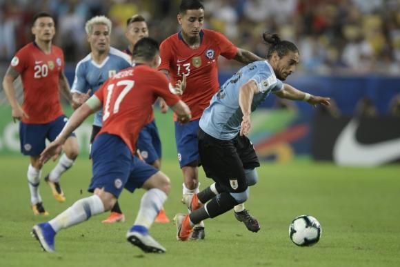 Martín Cáceres en el partido entre Uruguay y Chile de la Copa América 2019. Foto: Gerardo Pérez.