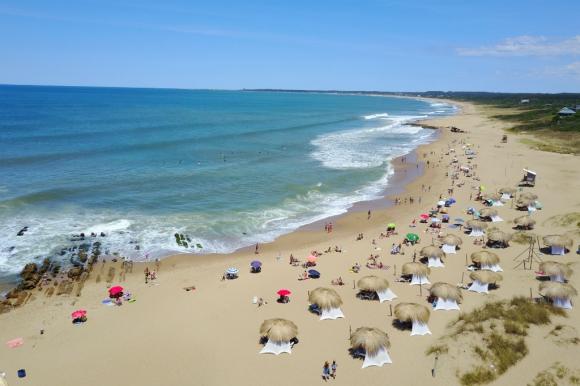 Vista aérea de la Playa La Balconada de La Paloma. Foto: Fernando Ponzetto
