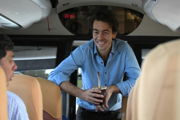 Juan Sartori en gira por el interior del país. Foto: Darwin Borrelli