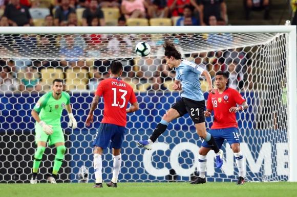 Gol de Cavani a Chile