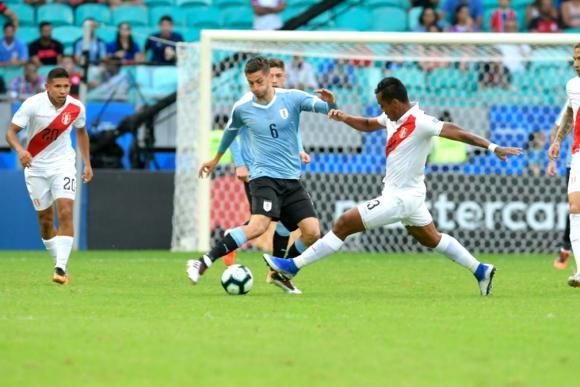Rodrigo Bentancur en el Uruguay vs. Perú