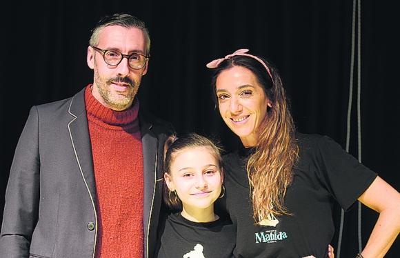 "Martín Inthamoussu, Evangelina Rodríguez y Paola Bianco, de ""Matilda"""