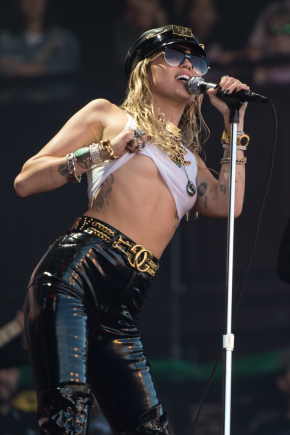 Miley Cyrus en Glastonbury, 2019. Foto: AFP