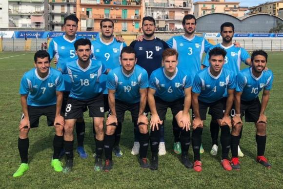 El equipo de Uruguay que salió a escena en el juego ante México. Foto: @LUD_Oficial