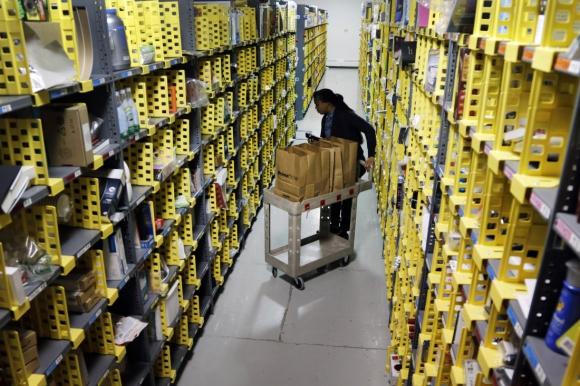 Centro logístico de Amazon. Foto: Archivo El País.