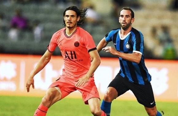 Edinson Cavani y Diego Godín en el duelo entre PSG e Inter. Foto: Instagram - Diego Godín