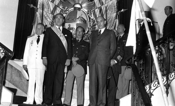 Julio María Sanguinetti asume como presidente en 1985. Foto: Archivo El País