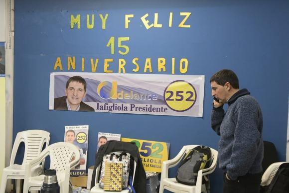 Carlos Iafigliola este domingo tras conocerse los resultados preliminares. Foto: Leonardo Mainé