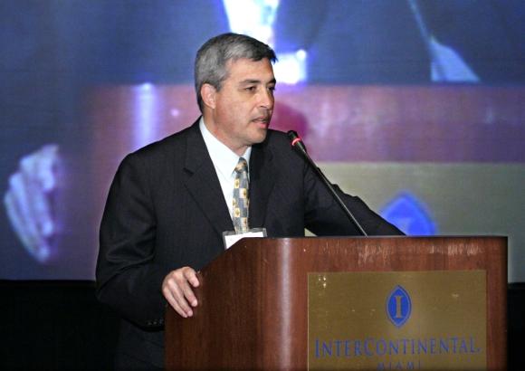Claudio Paolillo habla en una conferencia de prensa. Foto: Archivo El País