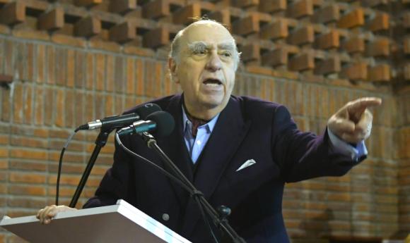 Julio María Sanguinetti habla en la Convención Nacional del Partido Colorado. Foto: Marcelo Bonjour