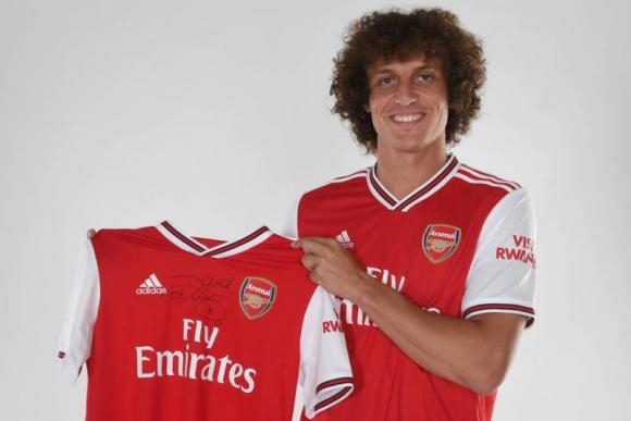 David Luiz luciendo los colores del Arsenal, su nuevo club. Foto: Arsenal FC