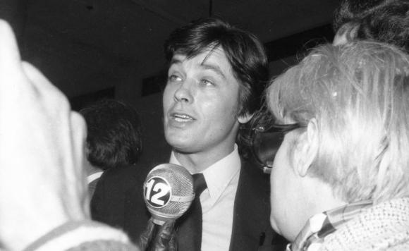 Alain Delon durante su visita a nuestro país, en los años setenta. Foto: Archivo