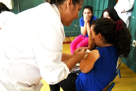 se puede tener sarampion estando vacunado